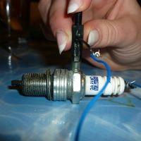Проверка свечей зажигания под давлением